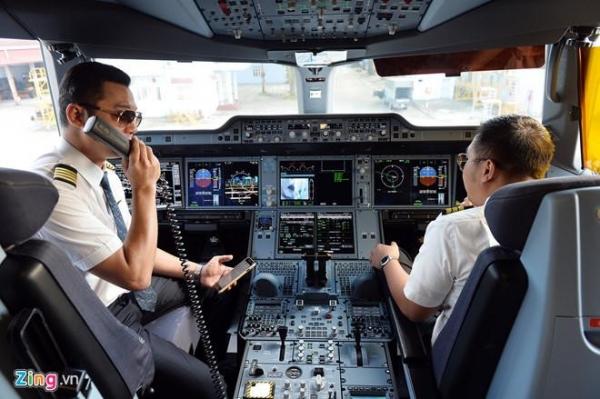 Phi cong Vietnam Airlines nhan luong 132,5 trieu dong/thang hinh anh 1