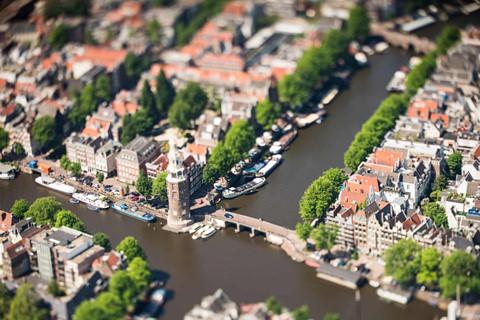 Amsterdam nhu 'thanh pho mo hinh' duoi ong kinh tilt-shift hinh anh 1