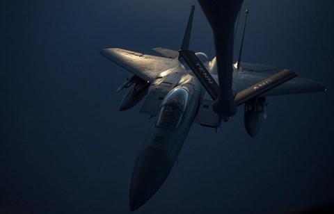 Can canh dan B-52, F-35 cua My quan thao Vung Vinh nan gan Iran hinh anh 2