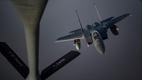 Can canh dan B-52, F-35 cua My quan thao Vung Vinh nan gan Iran hinh anh 6