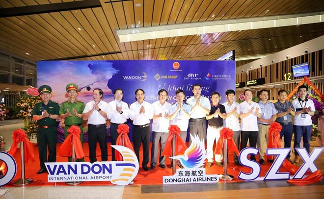 Cang Hang khong Quoc te Van Don khai truong duong bay den Tham Quyen hinh anh 1
